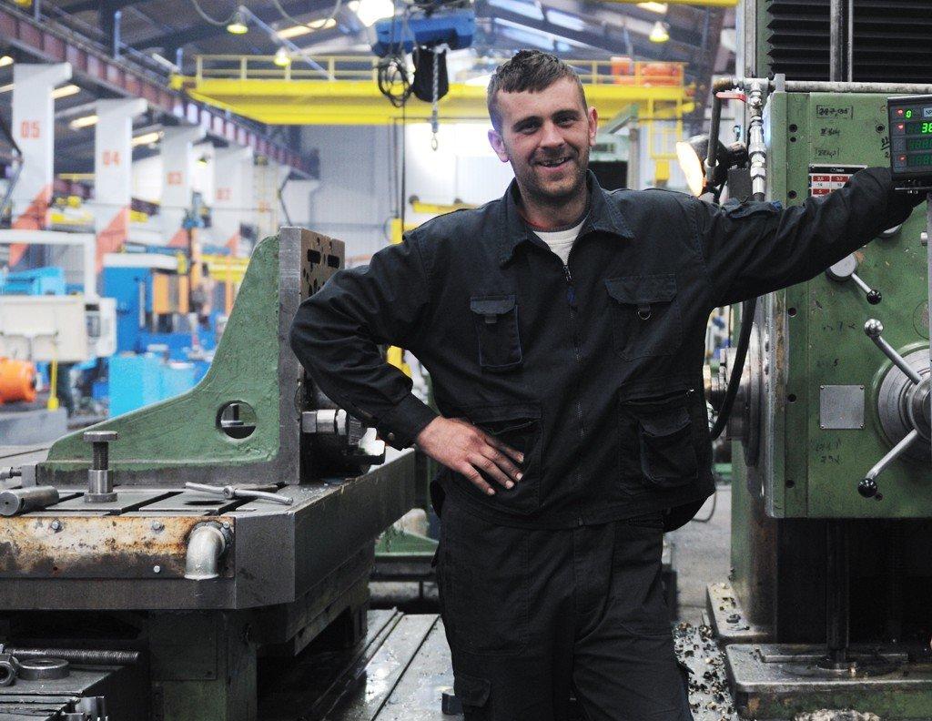 Obsluha strojů náborový příspěvek 12000 Kč